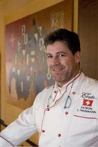 Jacob Hausmann, patronul restaurantului Mica Elvetie din Bucuresti