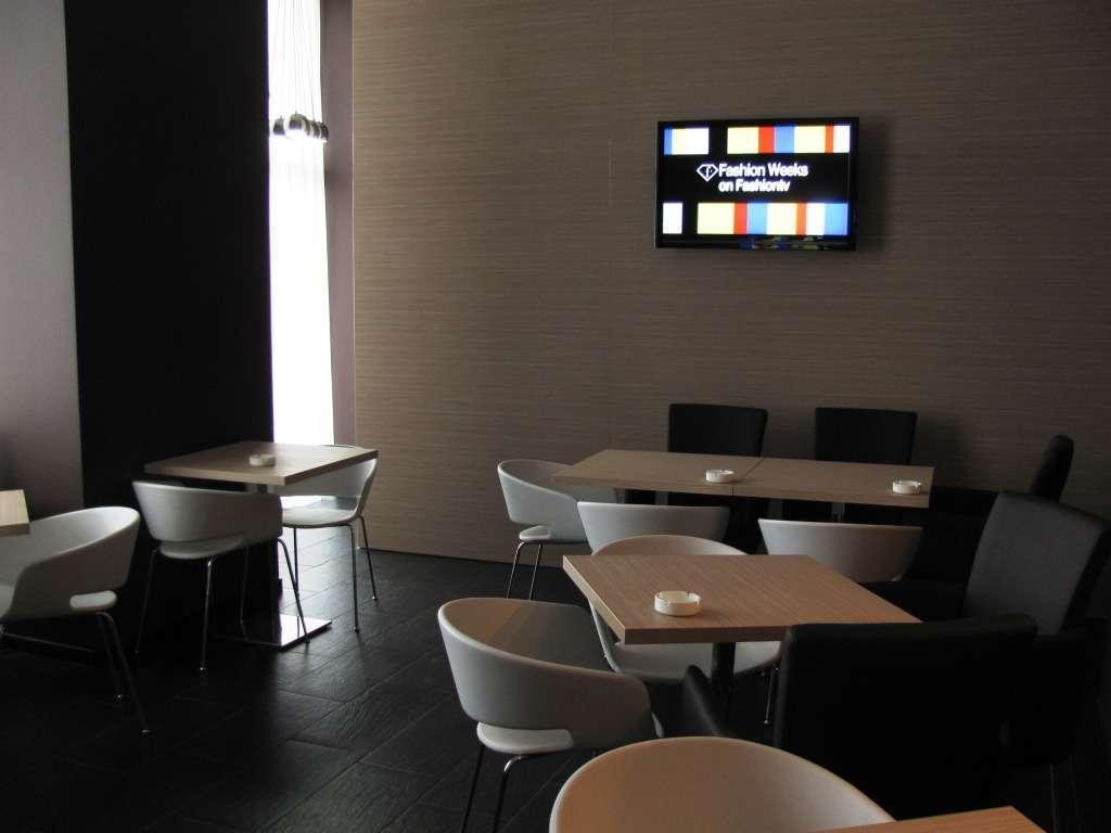 cafenea maroon | restograf - restaurante bucuresti - topul