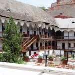 Hanul lui Manuc - restaurant si cafenea