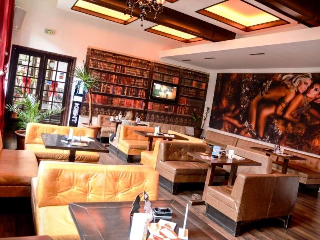 The Embassy - Hanul cu Tei - Centrul Istoric