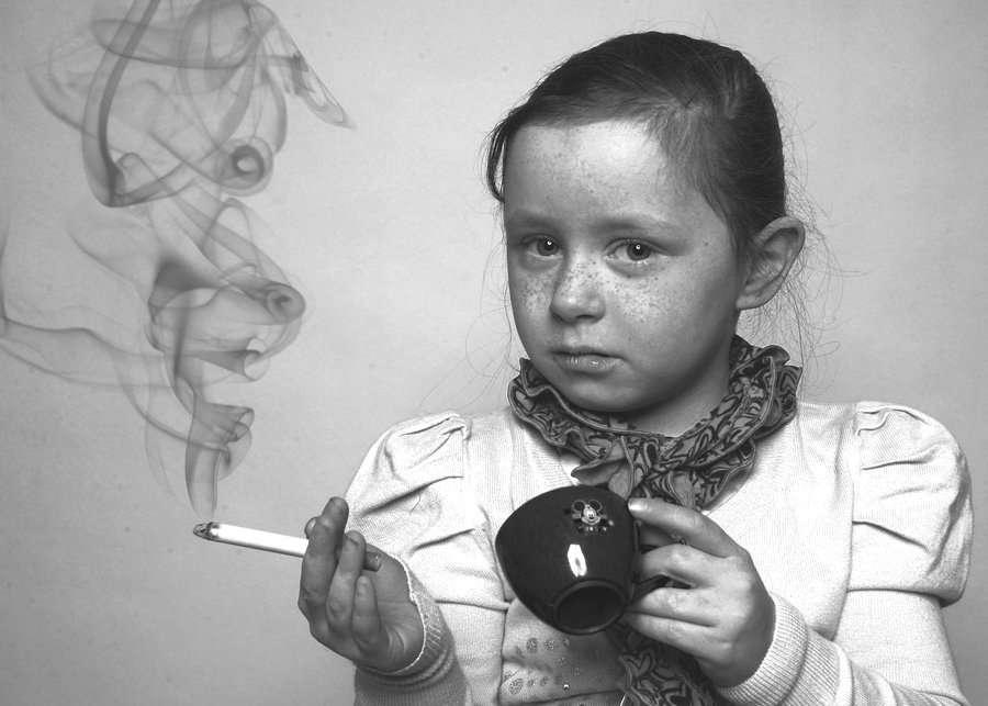 Absolventa a Scolii de Fumat Angoli din Oraselul Copiilor