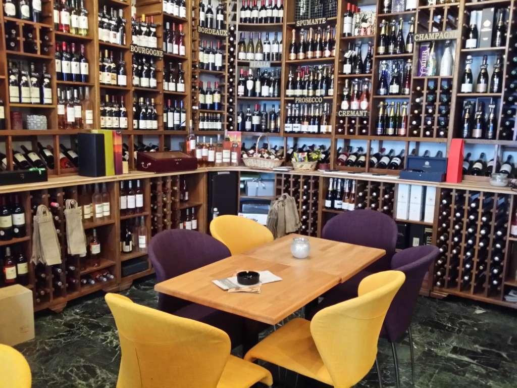 Bistroul vinoteca Vinexpert de la Piata Victoriei