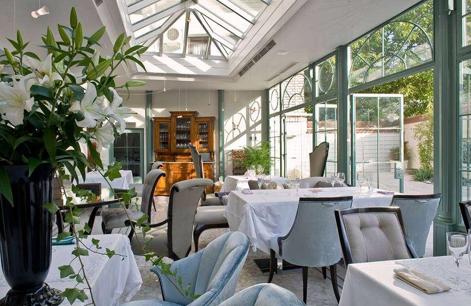 Veranda Casa Frumoasa // sursa foto: Facebook