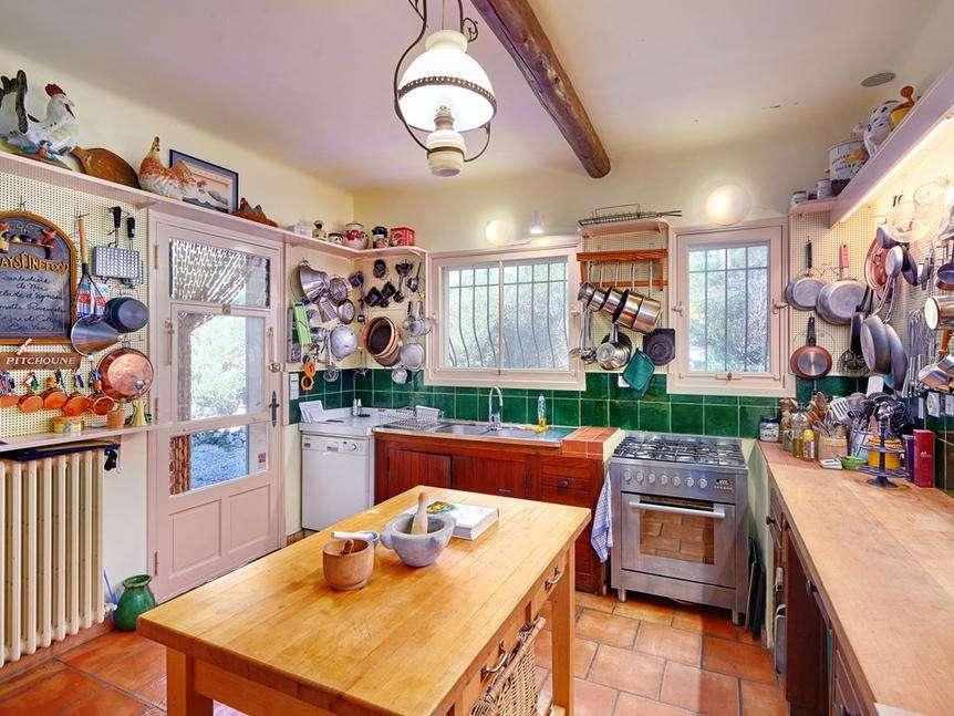 julia-child-kitchen-cr-sothebys (1)