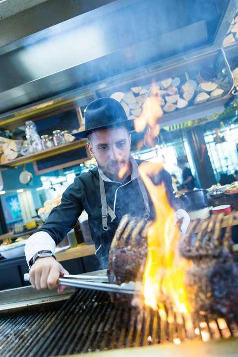 Chef Foa grill