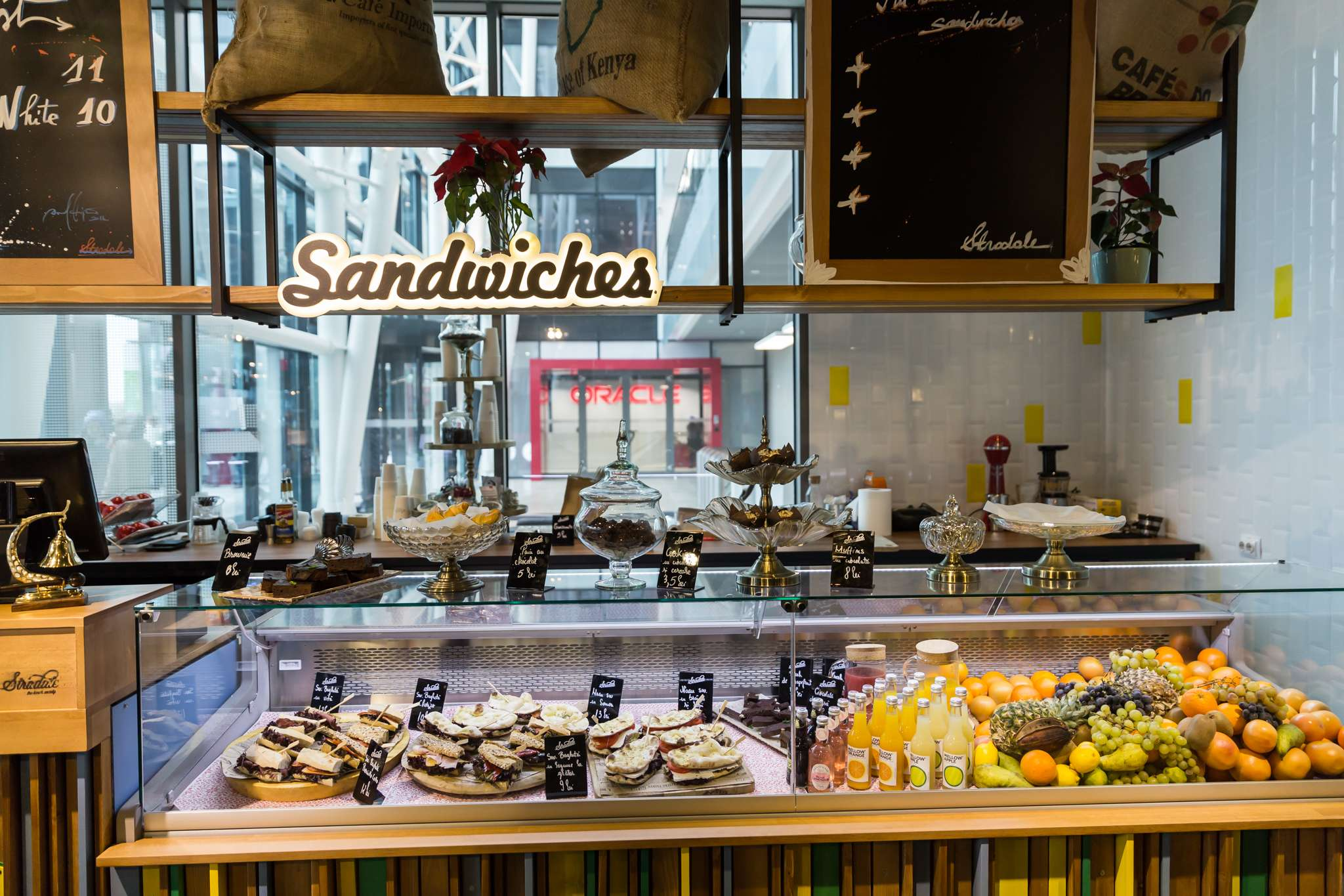 sandwich & coffee bar