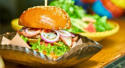 Burger Revolution. Locurile unde mănânci burgeri buni în București