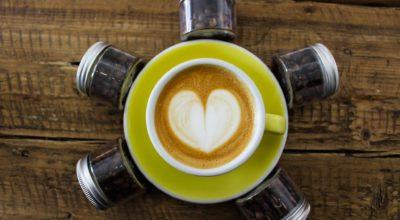 5 coffee shops și experiențe de cafea din București
