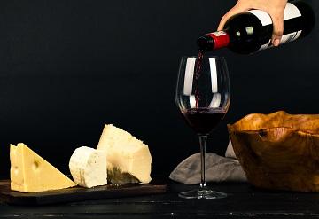 Comandă vinul ca un adevărat cunoscător