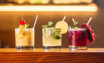 Mix&shake! 5 localuri în care poți să bei un cocktail bun