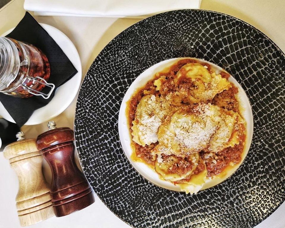 Tortelini al ragu de la restaurant Mozzafiato