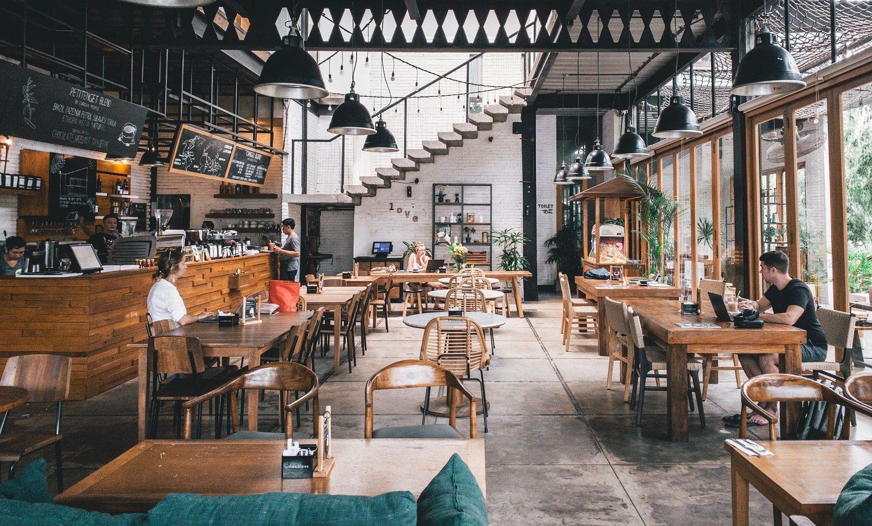 cum vor arăta restaurantele după ridicarea stării de urgență - mese goale, oameni putini