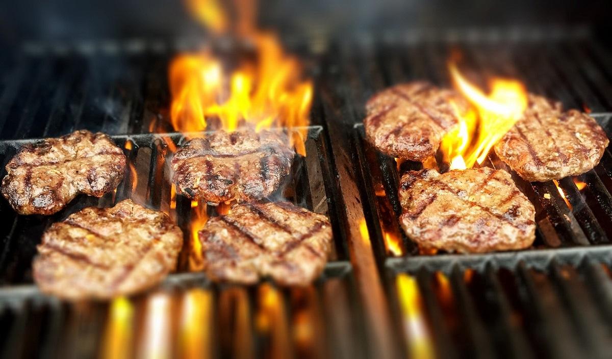 carne pe gratar in flacari la restaurante grill București