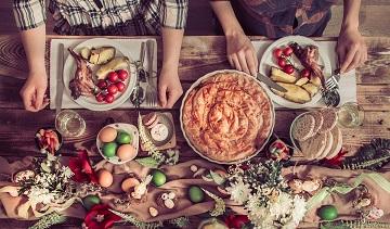 Cum eviți excesele alimentare la masa de Paște
