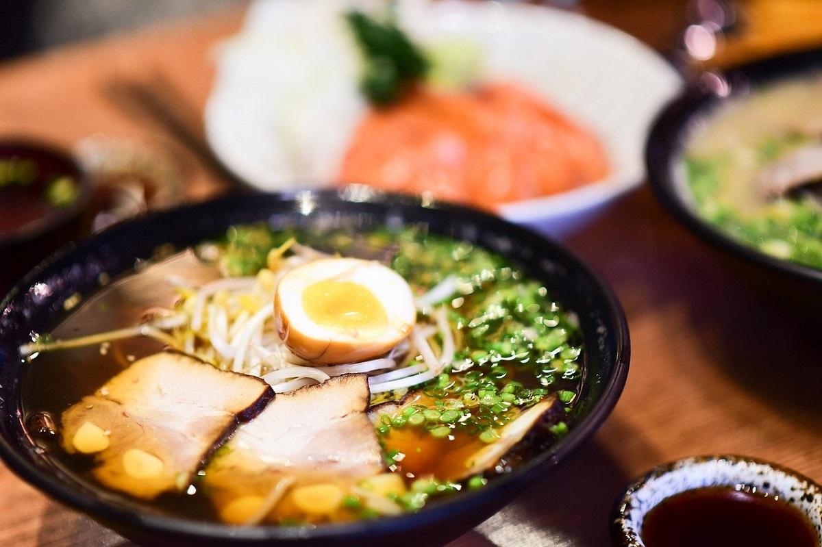 miso cu taitei la micul dejun in Japonia
