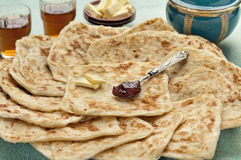 Msemen, lipii din Maroc pentru micul dejun